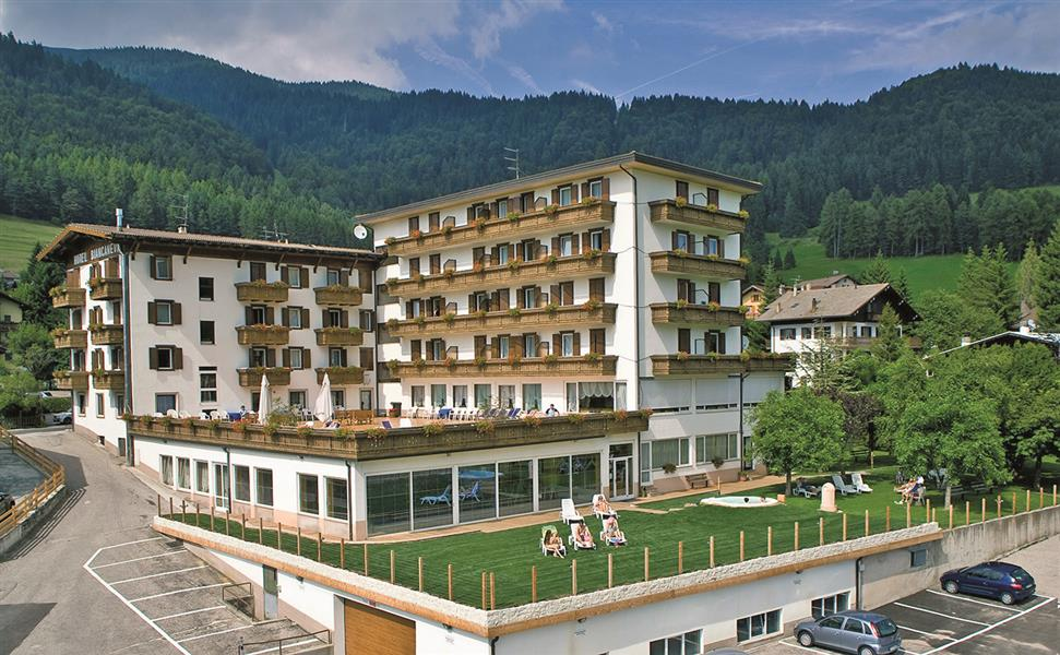 Hotel biancaneve alpe cimbra for Garage programma progetti gratuiti
