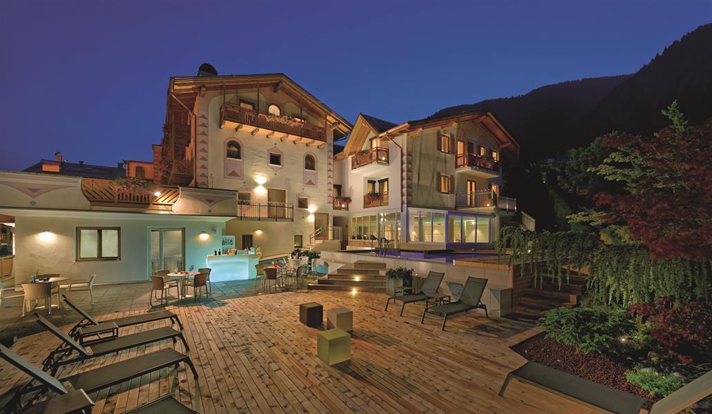 Palace hotel ravelli val di sole for Garage programma progetti gratuiti
