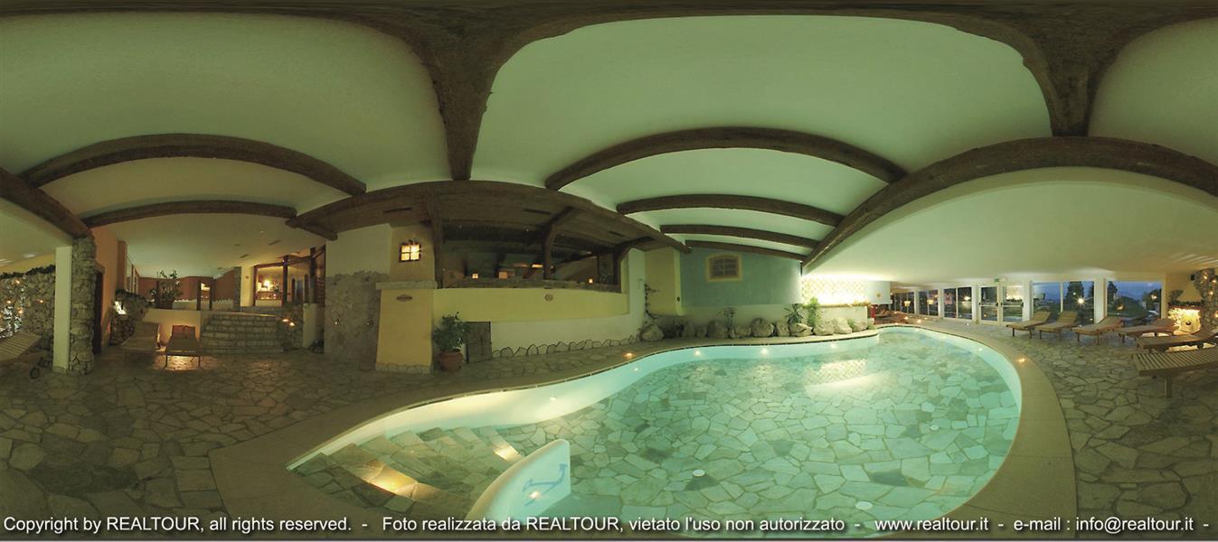 Alp wellness sport hotel panorama altopiano della for Cabine al lago della piscina di joe