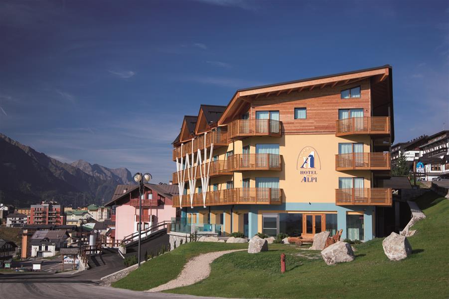 Hotel delle alpi passo tonale for Garage programma progetti gratuiti